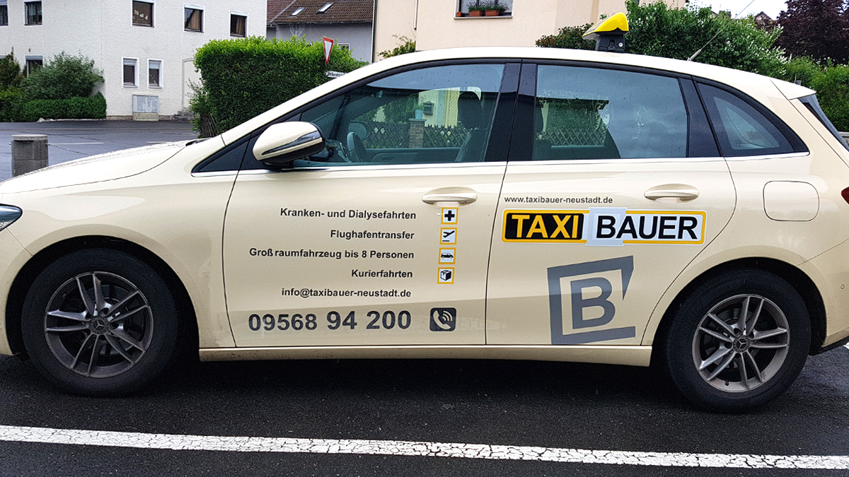 Taxi-Bauer-Fahrzeugbeschriftung